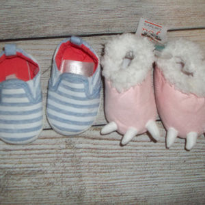 Carter's 2 Pair Of Baby Slippers 0-3 Months